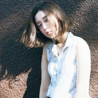 外国人風 ショートボブ 波ウェーブ ナチュラル ヘアスタイルや髪型の写真・画像