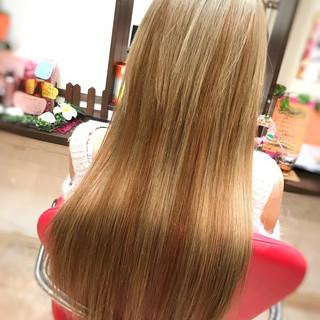 ミルクティー エクステ ハイライト ロング ヘアスタイルや髪型の写真・画像