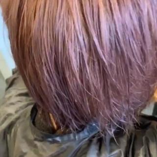 ガーリー ハイトーン デート ボブ ヘアスタイルや髪型の写真・画像