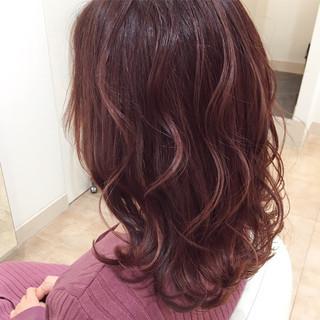 ピンク コテ巻き 波巻き 可愛い ヘアスタイルや髪型の写真・画像