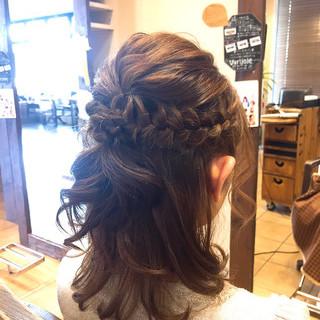 ミディアム デート フェミニン 結婚式 ヘアスタイルや髪型の写真・画像 ヘアスタイルや髪型の写真・画像