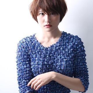 デート ショート リラックス パーマ ヘアスタイルや髪型の写真・画像