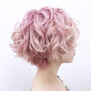 ウェーブ グラデーションカラー ボブ ストリート ヘアスタイルや髪型の写真・画像