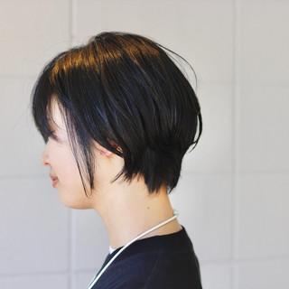 黒髪ショート ゆるナチュラル 黒髪 ショートボブ ヘアスタイルや髪型の写真・画像
