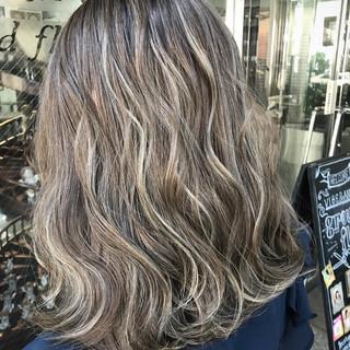 グラデーションカラー 上品 エレガント ミディアム ヘアスタイルや髪型の写真・画像 ヘアスタイルや髪型の写真・画像