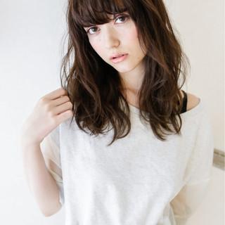 ロング ナチュラル グラデーションカラー 暗髪 ヘアスタイルや髪型の写真・画像