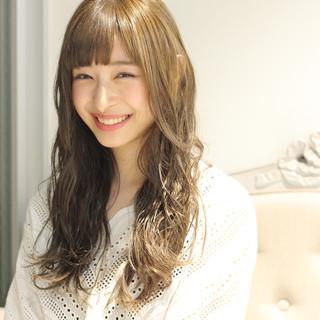 女子会 ウェーブ ロング リラックス ヘアスタイルや髪型の写真・画像