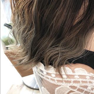 モード ハイライト 波ウェーブ バレイヤージュ ヘアスタイルや髪型の写真・画像 ヘアスタイルや髪型の写真・画像