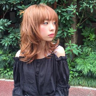外ハネ ハイライト ヘアアレンジ ミディアム ヘアスタイルや髪型の写真・画像