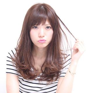 斜め前髪 大人かわいい おフェロ デート ヘアスタイルや髪型の写真・画像