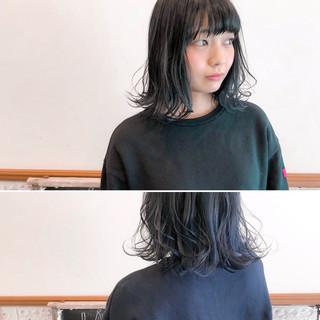 伸ばしかけ ブルーブラック ヘアアレンジ ボブ ヘアスタイルや髪型の写真・画像