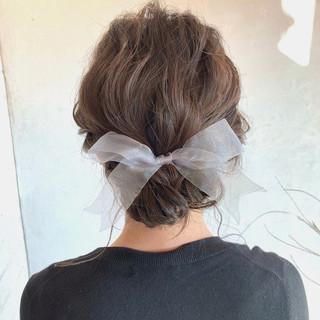簡単ヘアアレンジ ミディアム ヘアアレンジ アンニュイほつれヘア ヘアスタイルや髪型の写真・画像