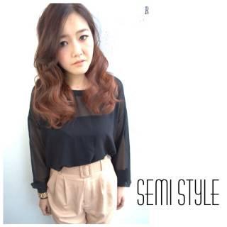 ピンク 秋 ストリート グラデーションカラー ヘアスタイルや髪型の写真・画像