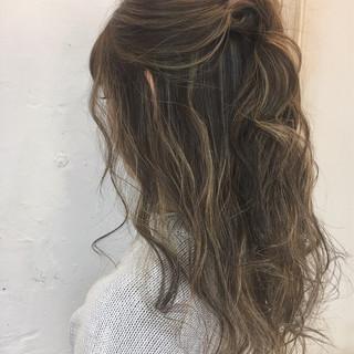 ニュアンス ハイライト ロング ストリート ヘアスタイルや髪型の写真・画像