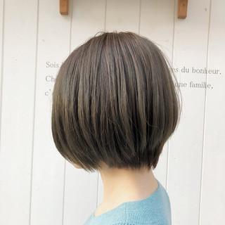 ミニボブ 切りっぱなしボブ ショートヘア ショート ヘアスタイルや髪型の写真・画像
