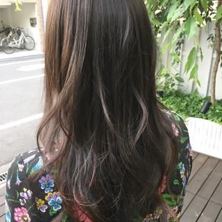フェミニン ハイライト トリートメント ロング ヘアスタイルや髪型の写真・画像