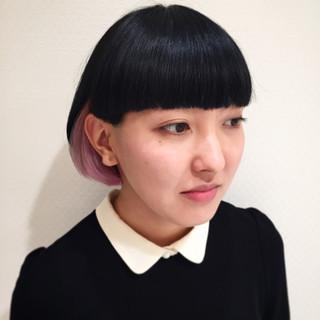 前髪パッツン ピンク ボブ ショートバング ヘアスタイルや髪型の写真・画像