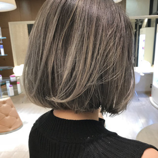 外国人風カラー ストリート シルバー グレー ヘアスタイルや髪型の写真・画像