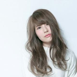 透明感 大人かわいい アッシュ ゆるふわ ヘアスタイルや髪型の写真・画像