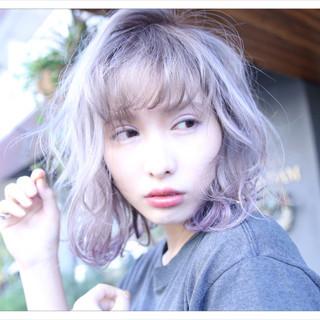 ストリート 前髪あり ミルクティー ミディアム ヘアスタイルや髪型の写真・画像