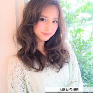 セミロング 大人かわいい 外国人風カラー グレージュ ヘアスタイルや髪型の写真・画像