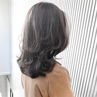 ナチュラル アッシュ スモーキーカラー アッシュグレージュ ヘアスタイルや髪型の写真・画像
