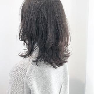 アンニュイほつれヘア ウルフカット ミディアムヘアー ニュアンスウルフ ヘアスタイルや髪型の写真・画像