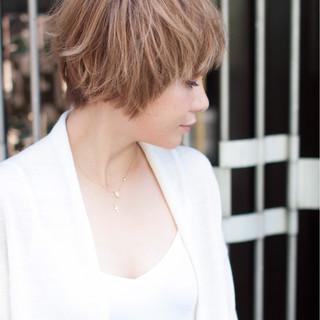 簡単 フェミニン かわいい ショート ヘアスタイルや髪型の写真・画像