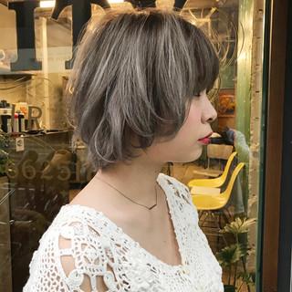 イルミナカラー ハイライト ショート ブリーチ ヘアスタイルや髪型の写真・画像