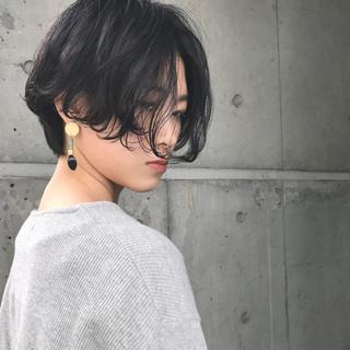 フリンジバング パーマ モード 黒髪 ヘアスタイルや髪型の写真・画像