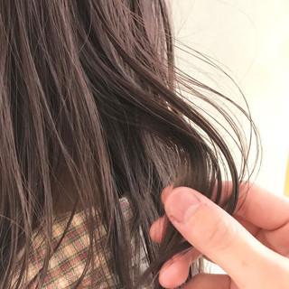 透け感ヘア ナチュラル ピンクベージュ 透明感 ヘアスタイルや髪型の写真・画像