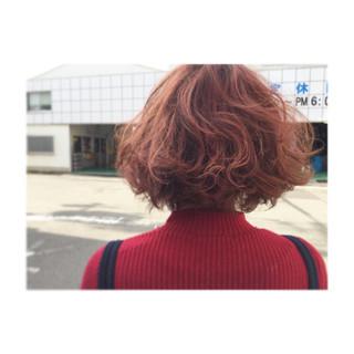 ピンク ミディアム ガーリー レッド ヘアスタイルや髪型の写真・画像