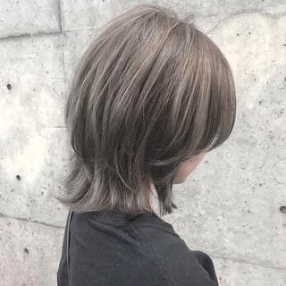 グレーアッシュ ナチュラル アッシュベージュ ボブ ヘアスタイルや髪型の写真・画像
