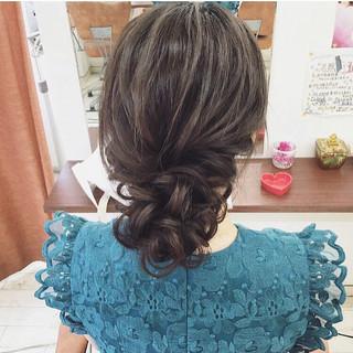 セミロング 結婚式 ヘアアレンジ ナチュラル ヘアスタイルや髪型の写真・画像