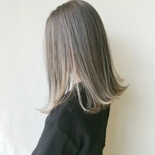ミディアム イルミナカラー ナチュラル 透明感カラー ヘアスタイルや髪型の写真・画像