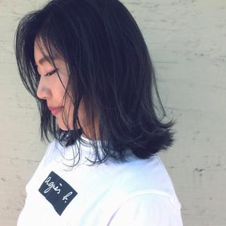 外ハネ ミディアム 色気 ナチュラル ヘアスタイルや髪型の写真・画像
