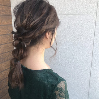 簡単ヘアアレンジ フェミニン 編みおろし セミロング ヘアスタイルや髪型の写真・画像