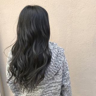 ロング 黒髪 ナチュラル 巻き髪 ヘアスタイルや髪型の写真・画像