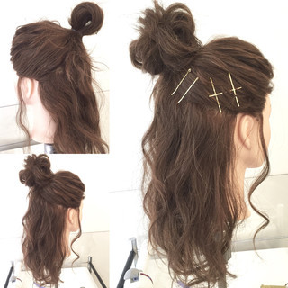ヘアアレンジ お団子 ハーフアップ ゆるふわ ヘアスタイルや髪型の写真・画像 ヘアスタイルや髪型の写真・画像