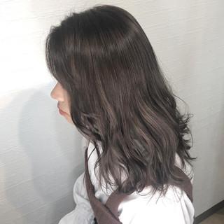 コテ巻き ミルクティーグレージュ ナチュラル ミルクティカラー ヘアスタイルや髪型の写真・画像