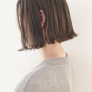アウトドア ウェーブ リラックス 切りっぱなし ヘアスタイルや髪型の写真・画像