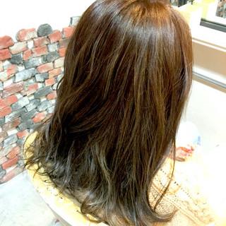 ゆるふわ 大人かわいい ロング アッシュ ヘアスタイルや髪型の写真・画像
