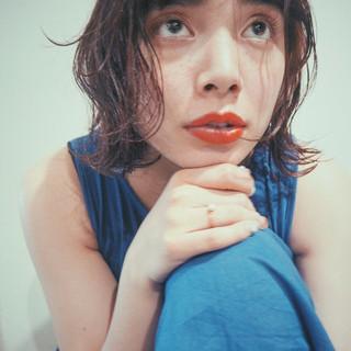 外国人風 前髪あり 黒髪 パーマ ヘアスタイルや髪型の写真・画像