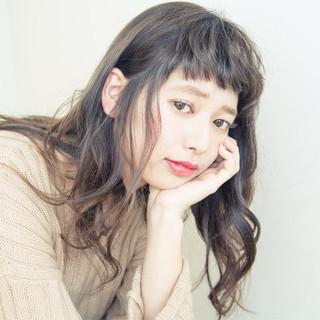 グラデーションカラー 外国人風 アッシュ 暗髪 ヘアスタイルや髪型の写真・画像