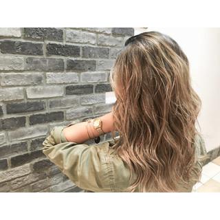 ストリート ブラウン グラデーションカラー ウェットヘア ヘアスタイルや髪型の写真・画像