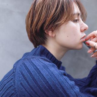 ショート アンニュイほつれヘア 大人女子 外国人風 ヘアスタイルや髪型の写真・画像