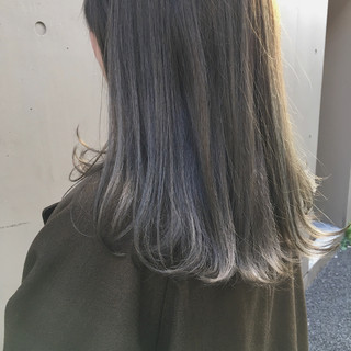 グレージュ 外国人風カラー スモーキーカラー ミディアム ヘアスタイルや髪型の写真・画像