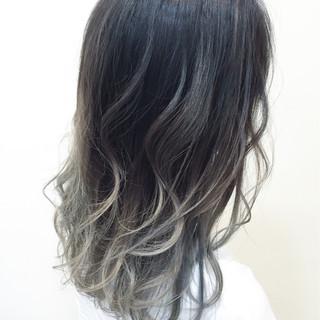 アッシュグレージュ アッシュ モード 外国人風 ヘアスタイルや髪型の写真・画像