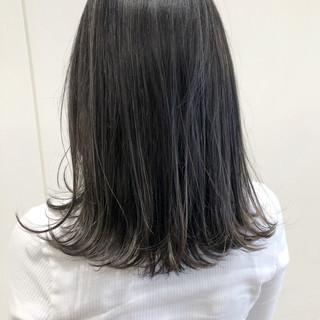 グレージュ 透明感 ハイライト ナチュラル ヘアスタイルや髪型の写真・画像