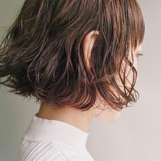 くせ毛風 切りっぱなし ヘアアレンジ ウェットヘア ヘアスタイルや髪型の写真・画像
